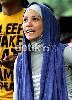 C1dbe-hijab-ala-selebriti-4
