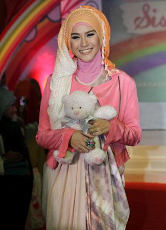 Inspirasi Hijab Zaskia Adya Mecca | Brekelesix39;s Blog