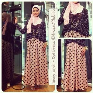 Contoh Baju Muslim dengan Maxi Skirt