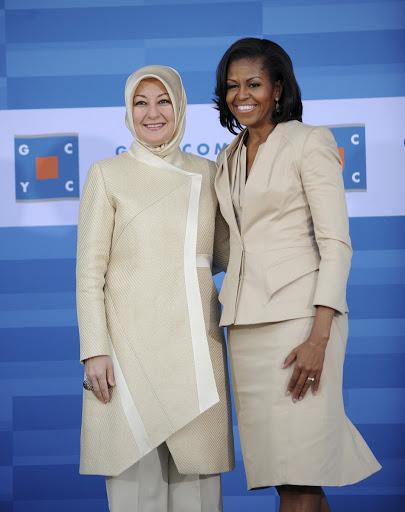 Ibu Negara yang Mengenakan Hijab