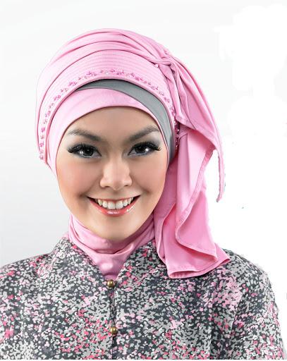 Kreasi Jilbab Bergo Untuk Acara Resmi