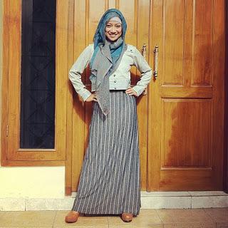 hijab trendy dengan short cardigan